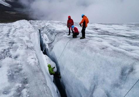 Glacier rescue course run by the DAV